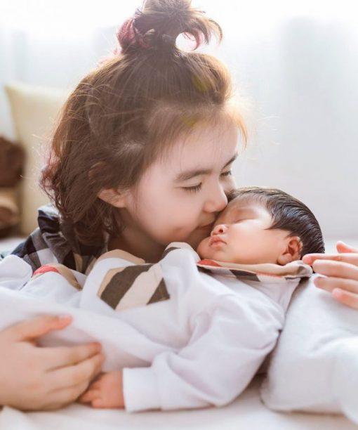 Sankid chụp ảnh em bé