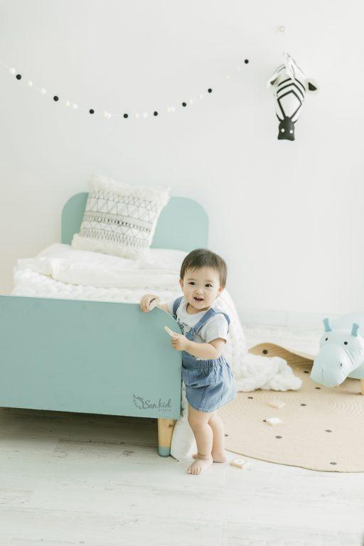 chụp ảnh cho bé trai 1 tuổi
