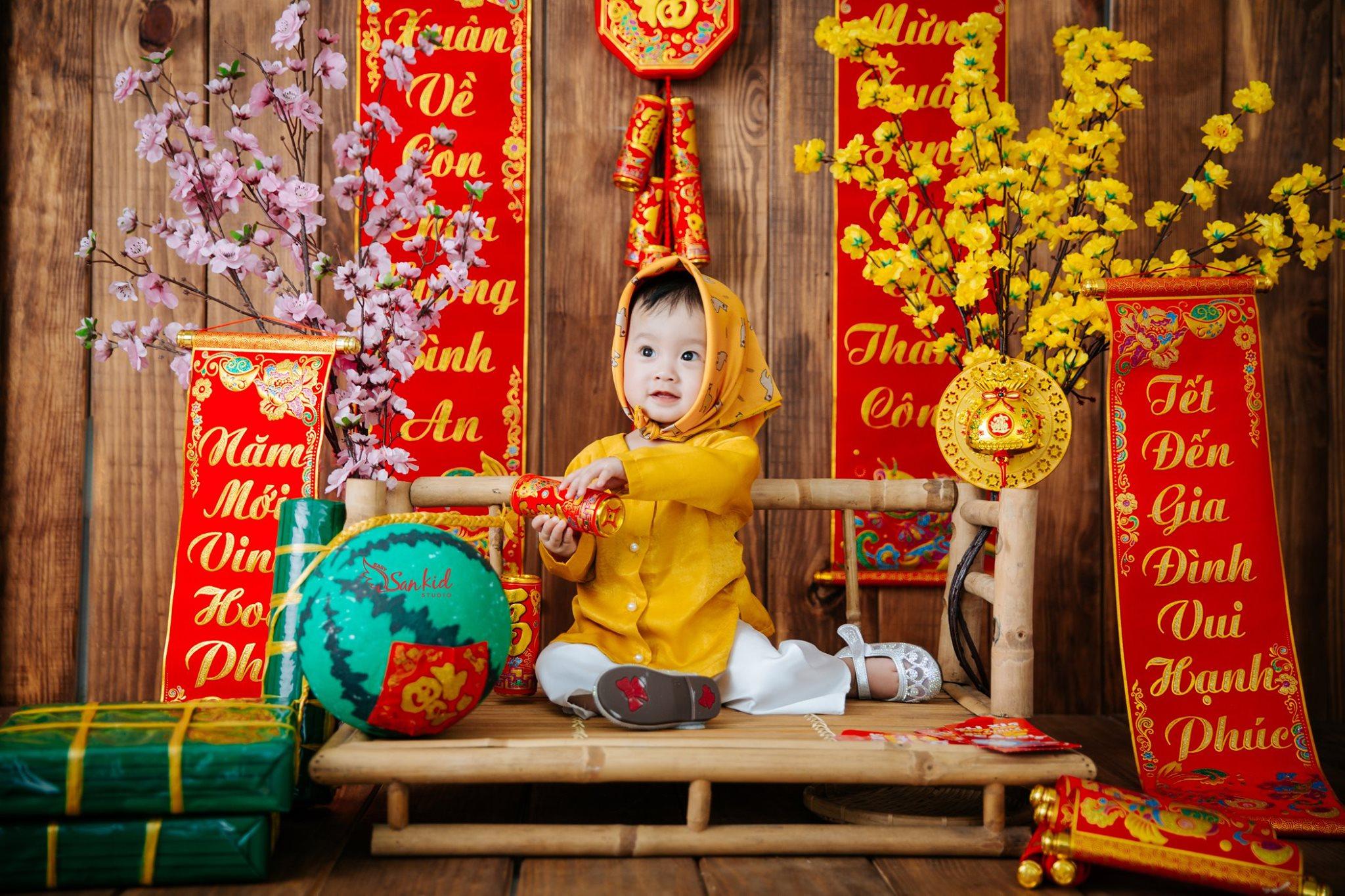 Chụp ảnh cho bé tuyệt đẹp trong concept tết