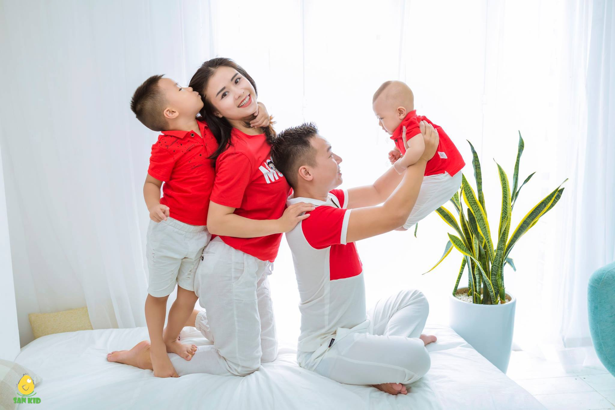 Chụp hình cho gia đình