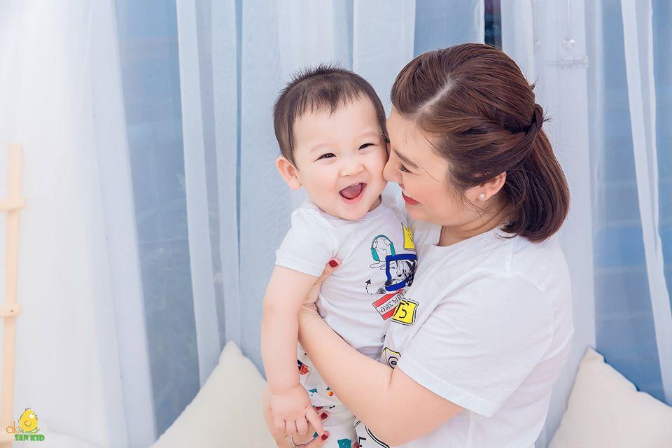 chụp ảnh mẹ và bé đẹp.