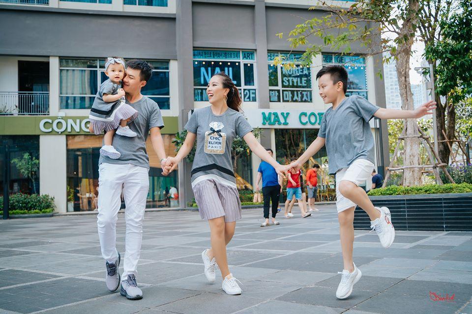 Chụp hình gia đình theo phong cách stress style Hàn Quốc