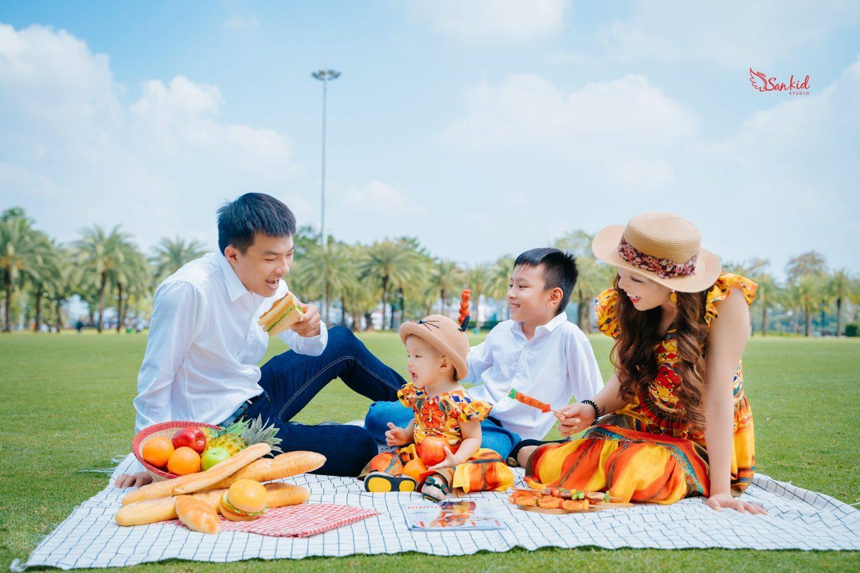 Chụp hình gia đình theo phong cách Hàn Quốc dã ngoại