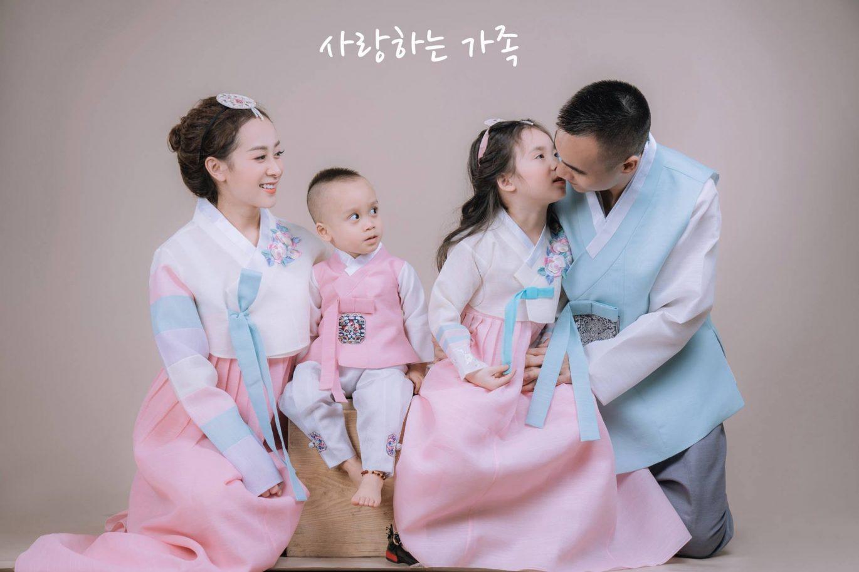 Chụp ảnh gia đình phong cách Hàn Quốc tại phim trường Sankid Studio