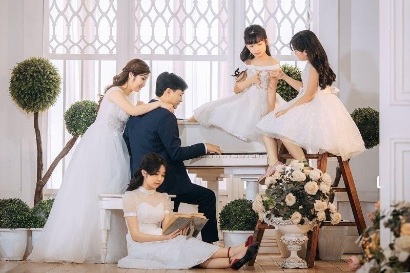 Ảnh gia đình đẹp, sang trọng hơn với phong cách Hàn Quốc