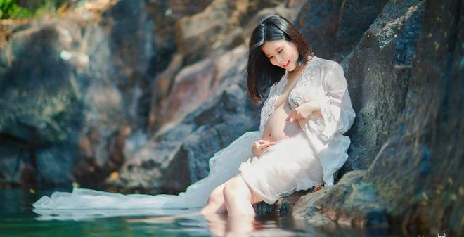 chụp ảnh bầu mẹ và nước