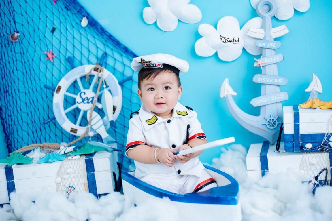 Chụp ảnh sơ sinh tại nhà cho bé trai trong concept biển cả