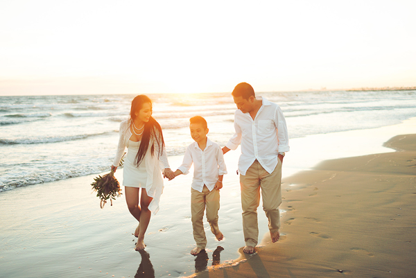 Chọn thời điểm để chụp ảnh gia đình trên biển