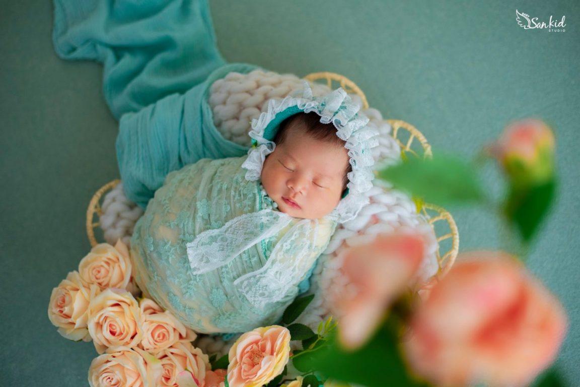 Hình ảnh bé sơ sinh dễ thương