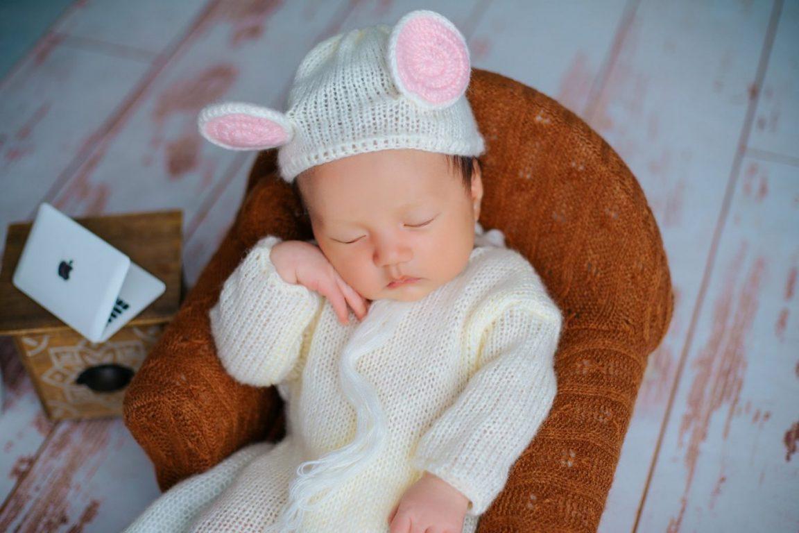 Ảnh bé sơ sinh ngủ say say thật đáng yêu