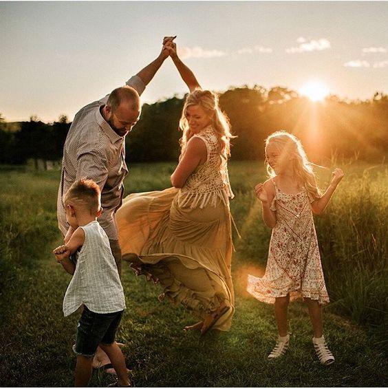 Album ảnh gia đình đẹp du lịch dã ngoại