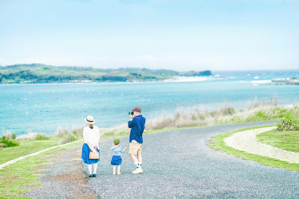 Những tạo dáng chụp hình gia đình du lịch ở biển kiểu Hàn Quốc 03