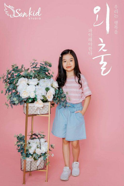Bộ ảnh bé gái đáng yêu, dễ thương với tạo hình chụp ảnh Hàn Quốc tại nhà 01