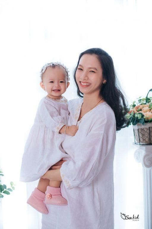 Hình ảnh mẹ và bé gái tuyệt đẹp 10