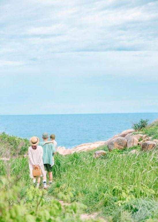 Những tạo dáng chụp hình gia đình du lịch ở biển kiểu Hàn Quốc cực chất