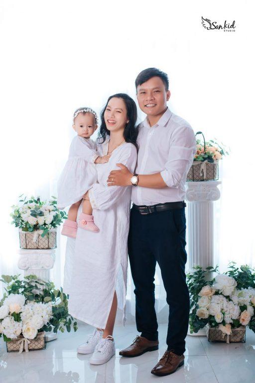 Chụp hình gia đình hạnh phúc 01