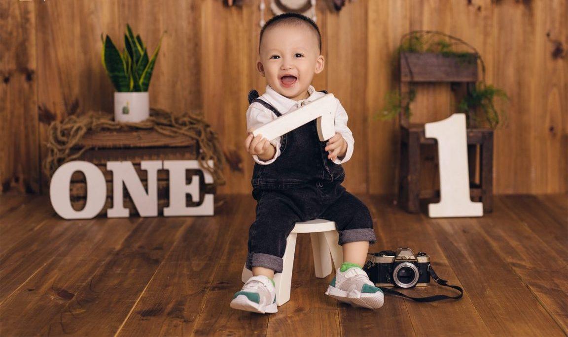 Chụp hình thôi nôi cho bé trai tại nhà 04