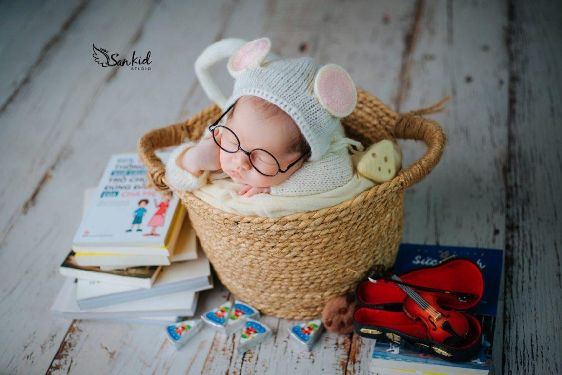 Chụp ảnh newborn cho bé đẹp đáng yêu tại nhà 05