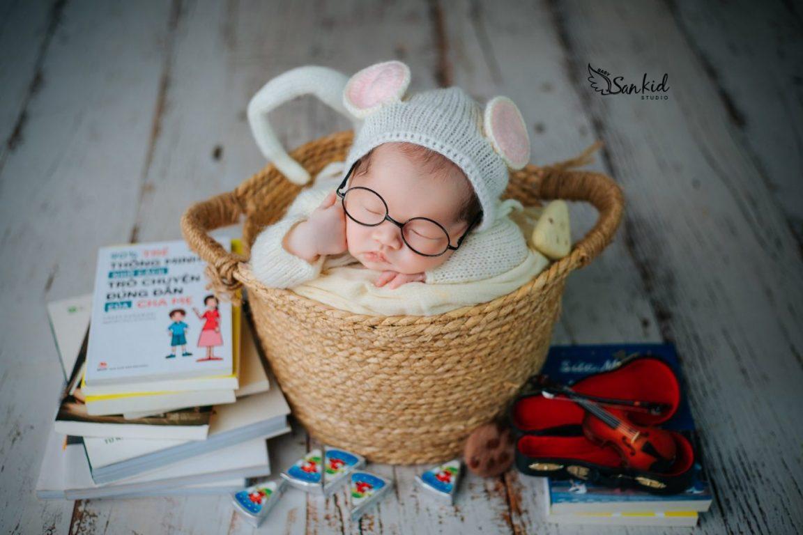 Chụp ảnh newborn cho bé đẹp đáng yêu tại nhà 01