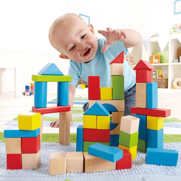 Trò chơi cho bé tại nhà nhận biết màu sắc giúp khả năng ghi nhớ bé phát triển hơn