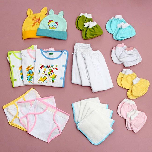 Cách chọn quần áo sơ sinh cho bé an toàn thoải mái