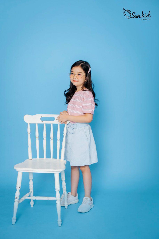 vaMix đồ cho bé gái với áo thun và chân váy