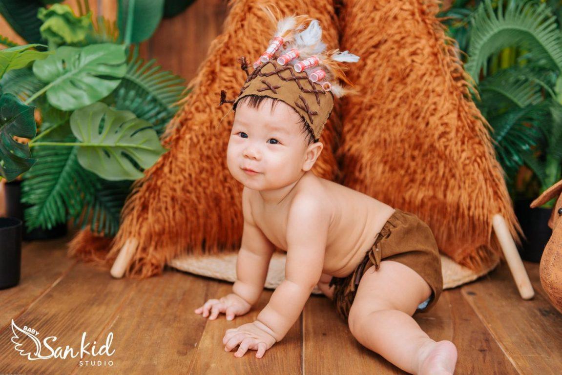 Chọn trang phục cosplay tarzan nhí làm đạo cụ chụp ảnh cho bé