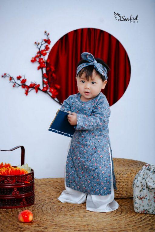 Bộ ảnh bé biến thành Cô Ba nổi tiếng nhất vùng Sài Gòn