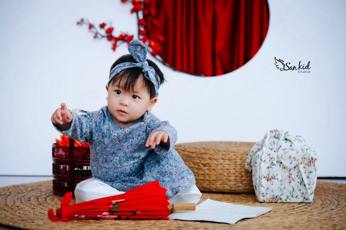 Chụp ảnh cho bé với concept Cô Ba Sài Gòn
