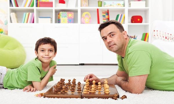 Dạy trẻ chơi cờ vua từ nhỏ giúp các con tăng IQ vượt trội