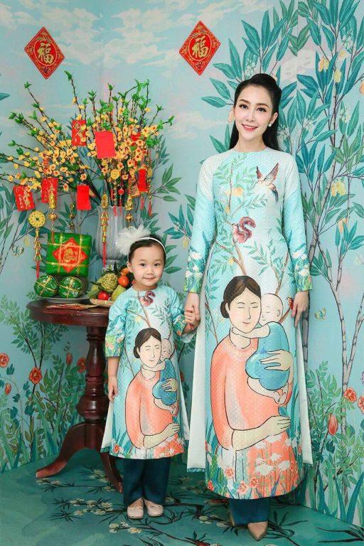 Phối trang phục Tết mẹ và bé độc với áo dài truyền thống cách tân