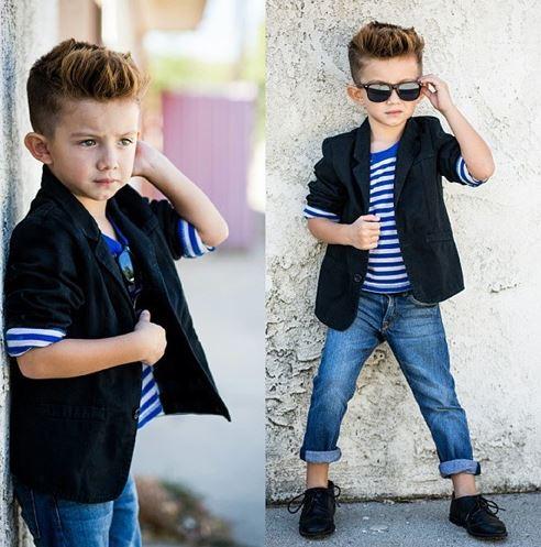 Mix đồ cho bé trai với áo vest rời kết hợp quần jeans vô cùng dễ thương