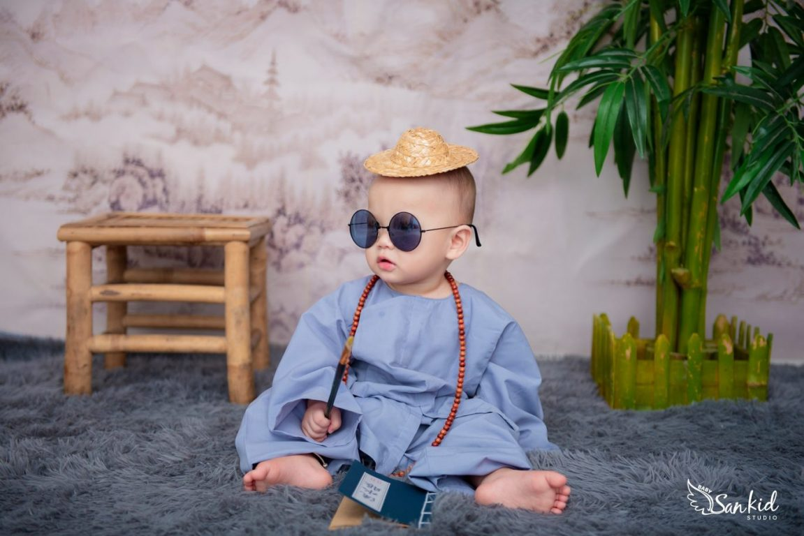 Hóa thân Đường Tăng thỉnh kinh trong đêm Halloween cho bé trai
