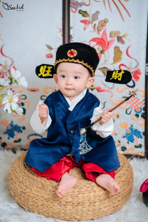 Chụp hình kiểu Hàn Quốc phong cách cổ trang