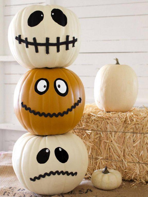 Cách trang trí quả bí ngô Halloween đẹp