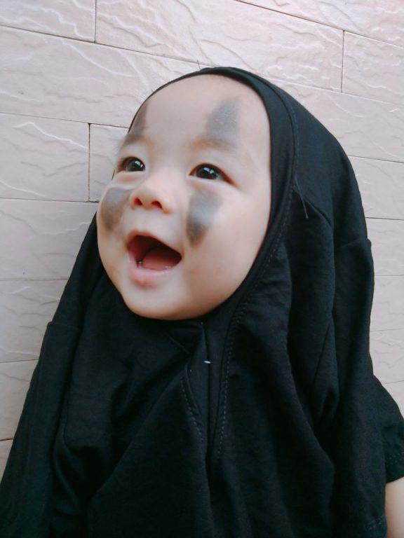 Hóa thân Vô Diện siêu dễ thương đêm hội Halloween cho bé