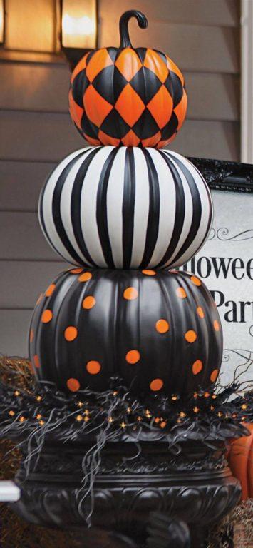 Cách trang trí bí ngô halloween rùn rợn, kinh dị