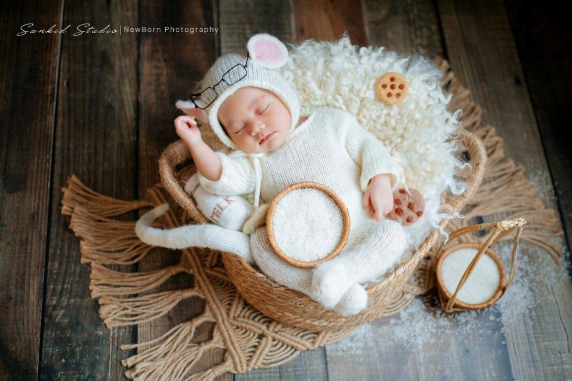 Hình ảnh em bé đáng yêu khi ngủ
