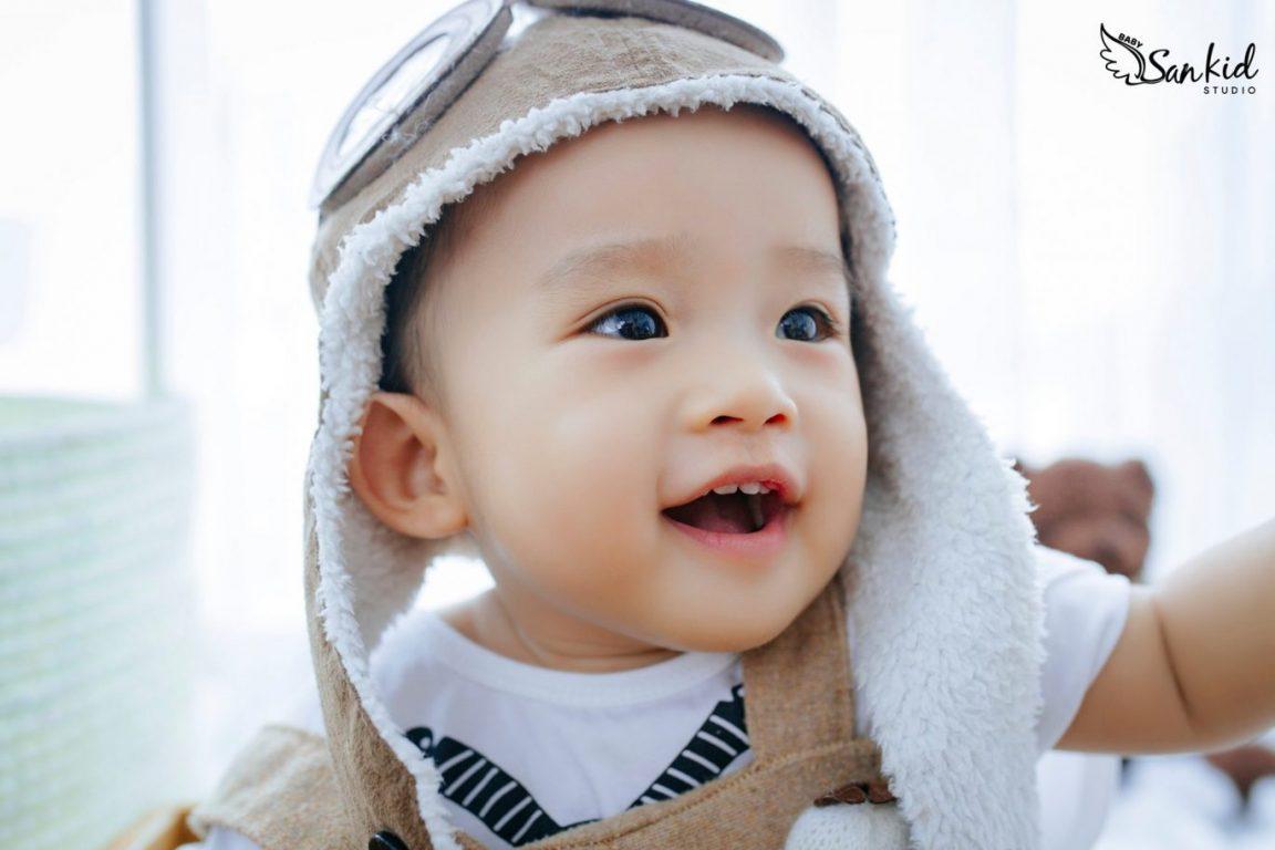 Hình ảnh bé trai đáng yêu
