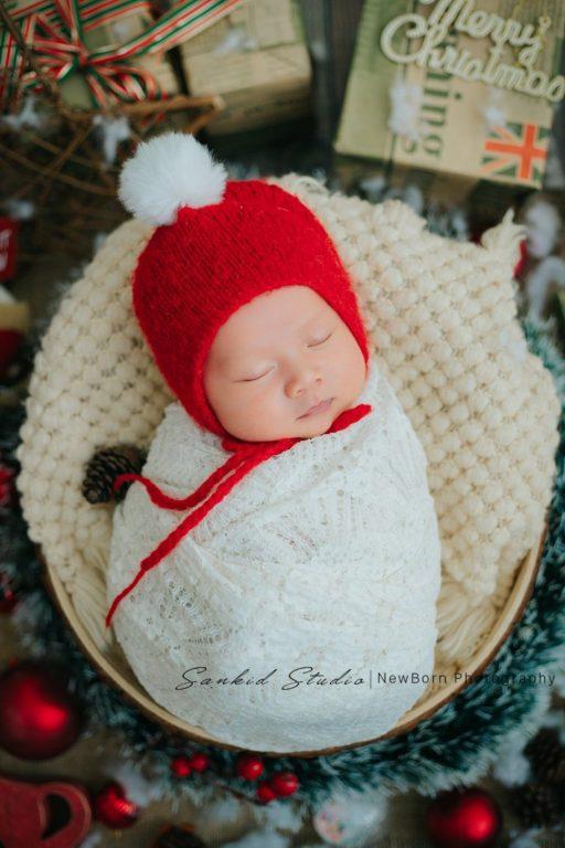 Hình ảnh bé sơ sinh hóa thân ông già Noel 2020 đẹp