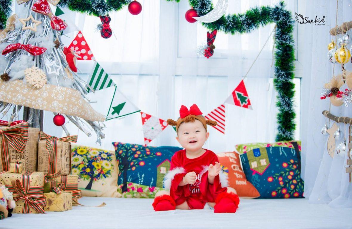 Hình ảnh ông già Noel nhí hài hước 2020