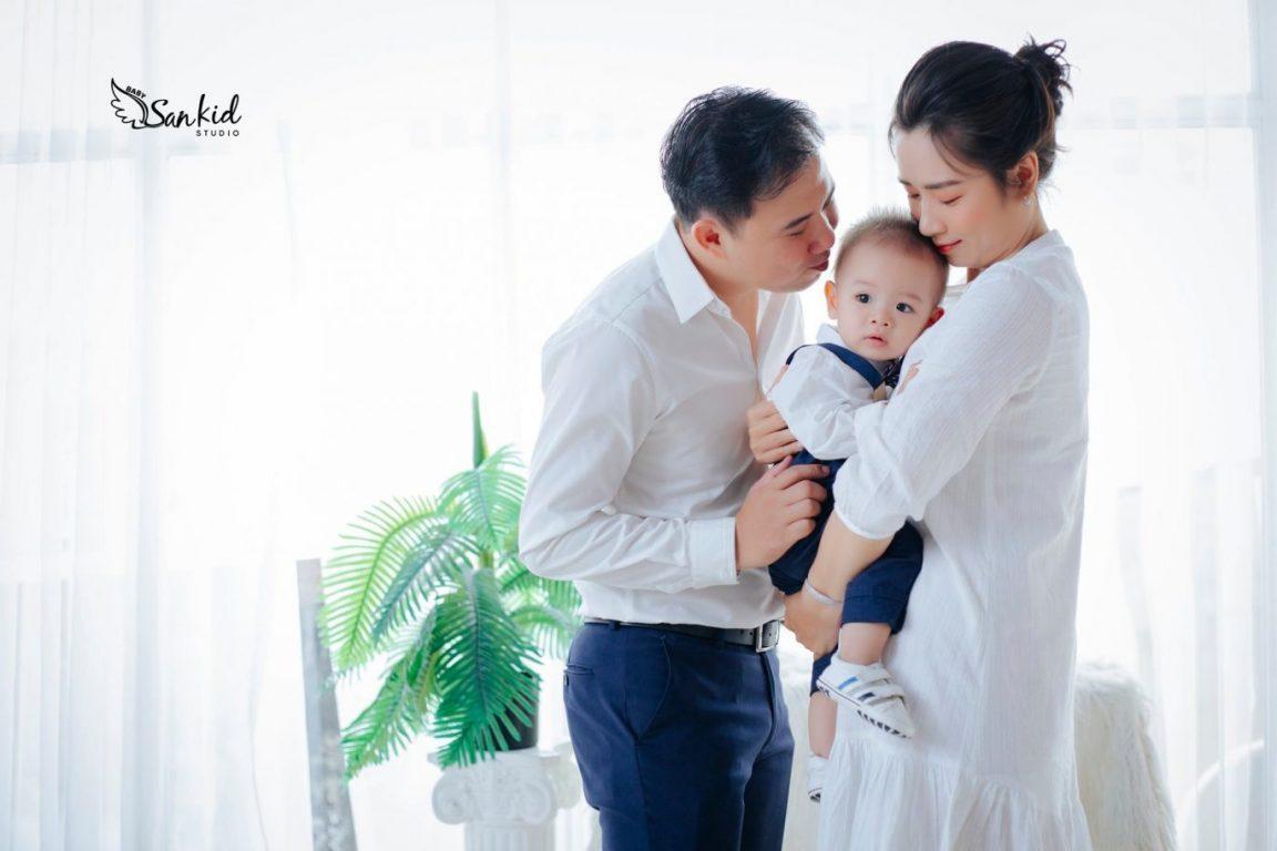 Hình ảnh gia đình hạnh phúc, xum vầy bên nhau